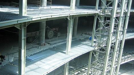Çelik'ten yapılan bina inşaatı