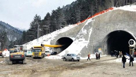 Ilgaz Tüneli girişinde çalışmalar