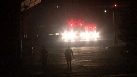Kocaeli'deki çelik fabrikasında yangına itfaiye ekipleri müdahale ederken