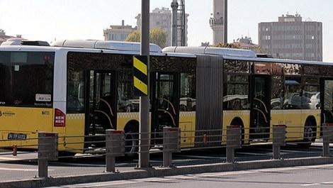 Haliç Köprüsü metrobüs yolundaki sarı metrobüsler