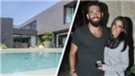 Arda Turan Barcelona'da aradığı evi  buldu