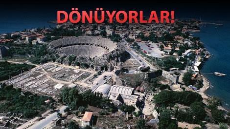 Antalya'da denize karşı konutlar