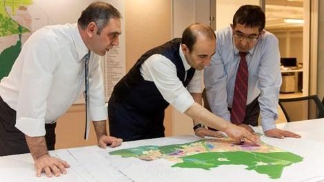 Yıldırım Belediye Başkanı İsmail Hakkı Edebali kentsel dönüşüm planı yaparken