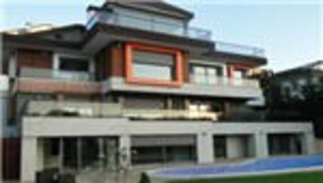 Alex'in evini Luis Nani kiraladı!