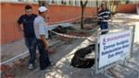 Manisa'da bir okulun çöken zemininden tarih çıktı!