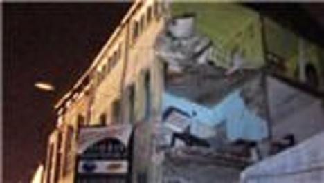 Fatih Balat'ta 3 katlı binada göçük