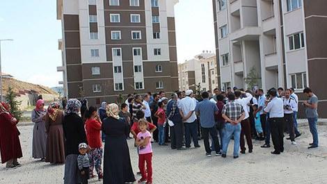 TOKİ'den ev alan vatandaşların eylemi