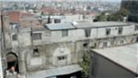 İstanbul'un tarihi hanları zamana direniyor