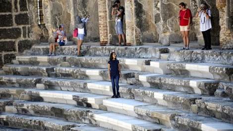 Aspendos Antik Tiyatrosu'nun mermerleri