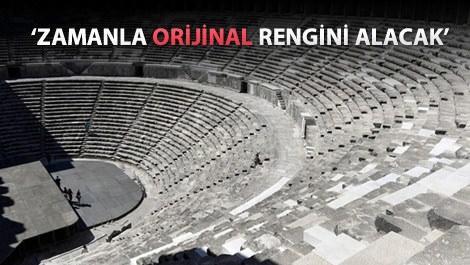 Aspendos Antik Tiyatrosu'nun yeni mermerleri