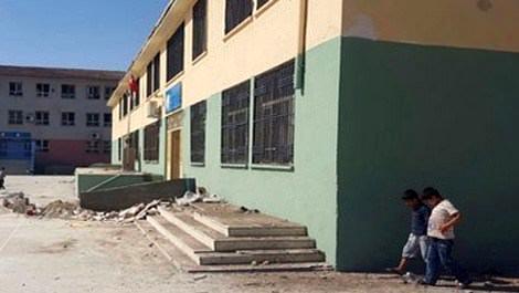 Şanlıurfa Mehmet Saçlı İlköğretim Okulu'ndaki inşaat malzemeleri