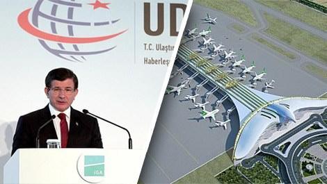 İstanbul Yeni Havalimanı toplantısında konuşan Ahmet Davutoğlu