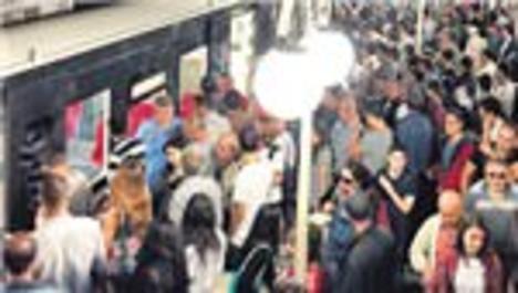 İZBAN ve Metro vatandaşı çıldırttı!