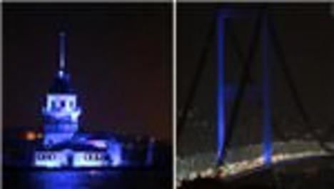 Boğaziçi Köprüsü ve Kız Kulesi mavi renk ile ışıklandırıldı