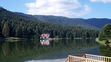 abant gölünün genel görünümü