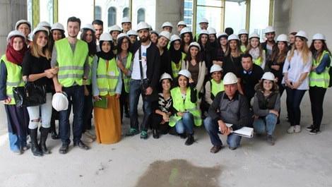 Regnum Sky Tower projesini ziyaret eden öğrenciler