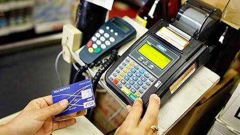 kredi kartından para çekilen bir mağaza