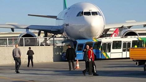 Atatürk Havalimanı'nda çarpma