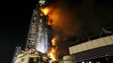Dubai'deki 63 katlı The Address Hotel'de yangın!