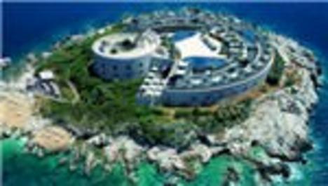 Karadağ'daki hapishane adası lüks otel oluyor
