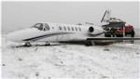 Adnan Polat'ın bindiği uçak pistten çıktı