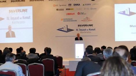4. İnşaat ve Konut Konferansı'nda konuşma yapan Mustafa Laçin
