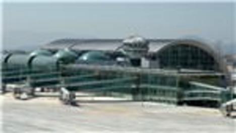 Adnan Menderes Havalimanı'na ikinci pist önerisi