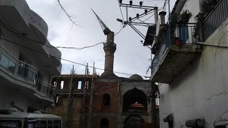 aydında fırtınadan yıkılan cami minaresi