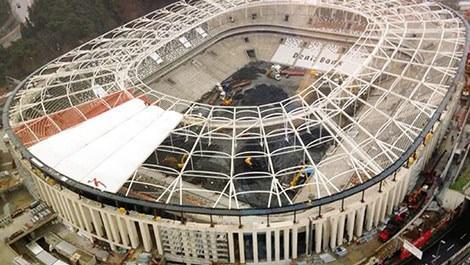 Beşiktaş Vodafone Arena'da çatı şoku yaşanıyor!
