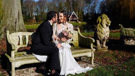 Burcu Kara ve Fırat Parlak şato düğünü ile evlendi