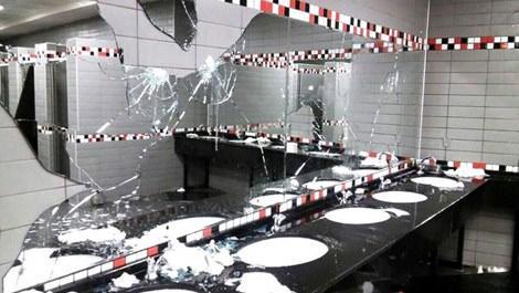 Fenerbahçe taraftarı Torku Arena Stadı'na zarar verdi