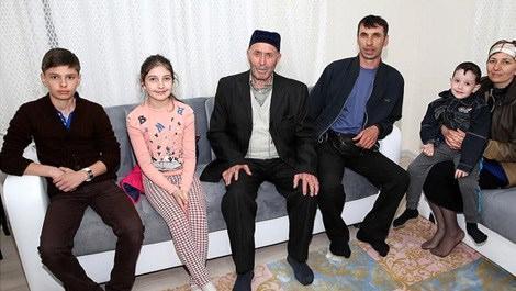 Ahıska Türkü evlerine yerleştirildi