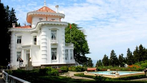 Trabzon'daki Atatürk Köşkü'ne turistlerden büyük ilgi
