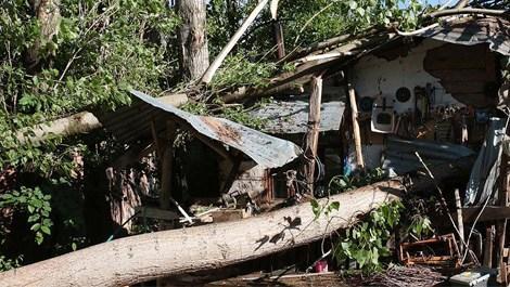 Bolu'da hortum hasara yol açtı