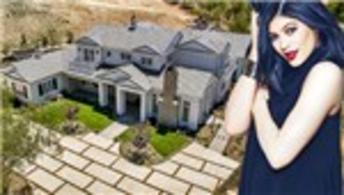 Kylie Jenner yeni evine taşındı!
