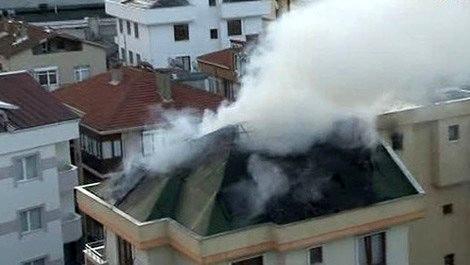 Kartal'da 5 katlı binada yangın!