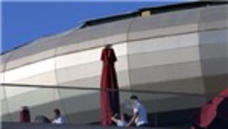 Ankara'daki AVM'de cam çatı çöktü