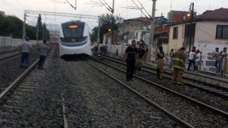İZBAN trenine, lokomotif çarptı
