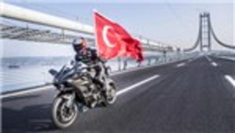 Kenan Sofuoğlu, Osmangazi Köprüsü'nden 'hızlı' geçti