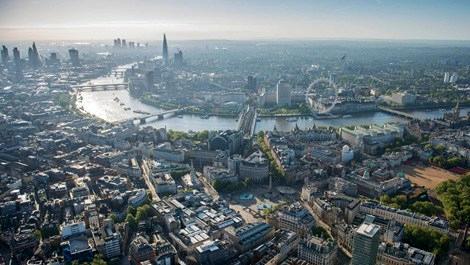 Singapur bankası Londra'daki konut kredilerini askıya aldı