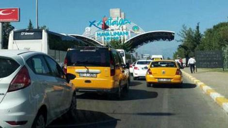 Antalya Havalimanı'nda bayram trafiği!