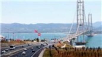Tatilciler Osman Gazi Köprüsü'ne yöneldi, vapurlar boş kaldı