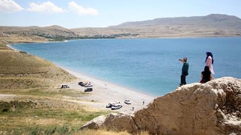 Van Gölü'nün Ayanis Sahili'ne mavi bayrak!