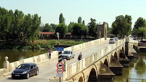 Tunca ve Meriç köprüleri araç trafiğine açıldı