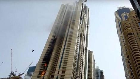 Dubai Sulafa Tower'da yangın çıktı!