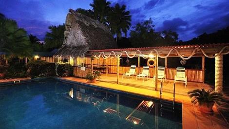 49 dolar verdi tropik adadaki otelin sahibi oldu!