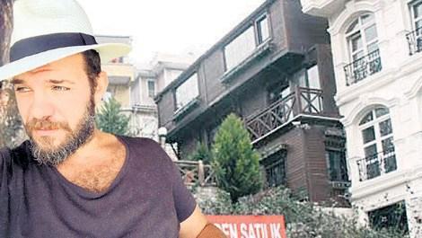 Tolga Karel, Beylerbeyi'ndeki evini satıyor