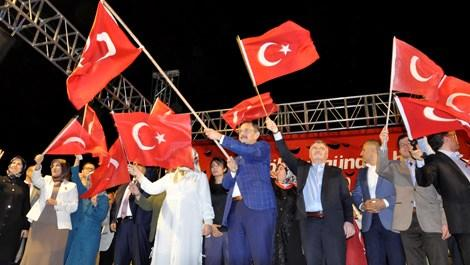 Mehmet Özhaseki Konya'da Demokrasi Nöbeti'ne katıldı