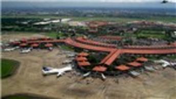 Endonezya'da havalimanına yeni terminal