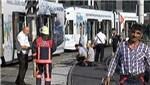Kabataş-Bağcılar tramvayı Keresteciler'de raydan çıktı!